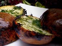 Jak przyrządzić grillowane ziemniaki z koperkiem