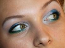 Jak zrobić niebiesko - zielony makijaż na lato