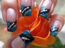 Jak zrobić czarnego frencha z brokatem i mini hologramem