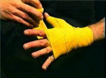 Jak owijać bandaż bokserski