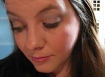 Jak zrobić lekki makijaż z eyelinerem