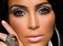 Jak zrobić makijaż dla ciemnookiej w stylu Kim Kardashian