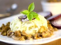 Jak zrobić spaghetti z kurkami i serem pleśniowym President