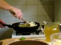 Jak zrobić penne z sosem pieczarkowym i indykiem #2