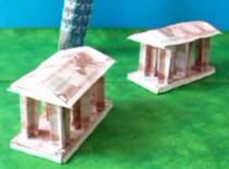 Jak zrobić grecką budowlę z banknotów