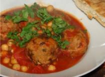 Jak zrobić marokańskie kulki mięsne w sosie pomidorowym