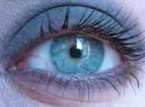 Jak zrobić makijaż smokey eye jednym cieniem