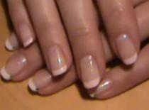 Jakie są różnice między French manicure i American manicure