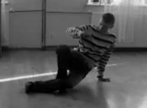 Jak wykonać Baby Swipe w Breakdance