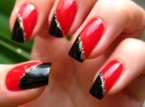 Jak pomalować paznokcie - eleganckie czerwone i czarne kolory