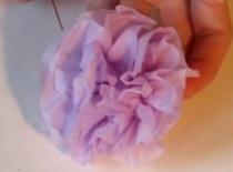 Jak zrobić ładnego kwiatka z serwetki
