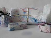 Jak zrobić papier do pakowania prezentów