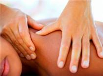 Jak wykonać relaksujący masaż - techniki i chwyty w masażu