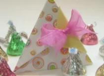 Jak zrobić pudełko w kształcie piramidy