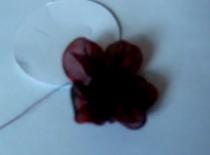 Jak zrobić kwiatka z organzy lub organdyny