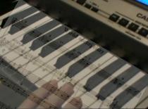 """Jak zagrać kolędę """"Wśród nocnej ciszy"""" na keyboardzie"""