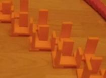 Jak ułożyć krosowaną ścieżkę w domino
