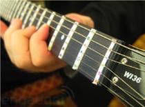 Jak nastroić gitarę za pomocą programu AP Tuner
