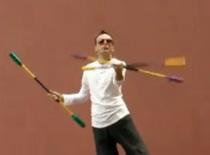 Jak żonglować kaskadę trzema kijami