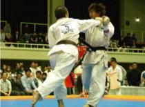 Jak bronić się w stylu Kyokushin - chwyty za ubranie