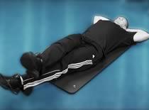 Jak ćwiczyć mięśnie brzucha - nożyce