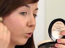 Jak maksymalnie wykorzystać róż w makijażu