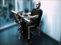 Jak ćwiczyć mięśnie nóg – uginanie nóg w siadzie