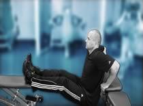 Jak ćwiczyć mięśnie ramion - pompki w podporze tyłem