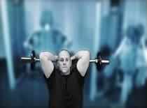 Jak ćwiczyć mięśnie ramion - francuskie wyciskanie sztangi siedząc
