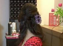 Jak wykonać irokeza na kręconych i długich włosach
