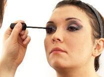 Jak zrobić karnawałowy, stalowo - różowy makijaż oczu