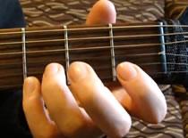 Jak poznać chwyty gitarowe - nauka gry na gitarze #1