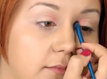 Jak zrobić tropikalny różowy makijaż