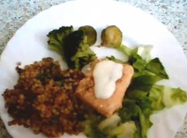 Jak zrobić łososia z zieleniną - dieta 1000 kcal