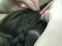Jak wykonać upięcia włosów na lato