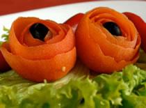 Jak zrobić kwiatka z pomidora