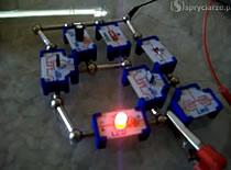Jak zrobić lampkę z włącznikiem i wyłącznikiem sensorowym