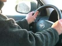 Jak prawidłowo poruszać kierownicą podczas jazdy