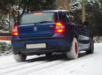 Jak jeździć samochodem po śniegu