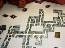 Jak grać w imprezową grę dedukcyjną Sabotażysta: Rozszerzenie