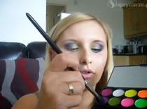Jak zrobić makijaż w zielonej tonacji połączonej z niebieskim