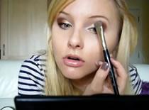 Jak zrobić makijaż w złocie i brązie #2/2