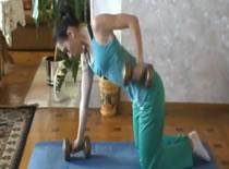 Jak ćwiczyć w domu - ćwiczenia na plecy #4
