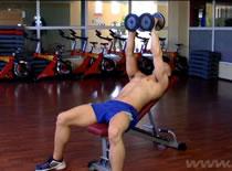 Jak ćwiczyć mięśnie klatki - rozpiętki w skosie górnym
