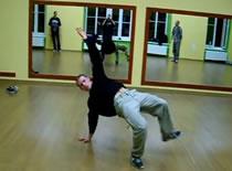 Jak wykonać swipe w Breakdance