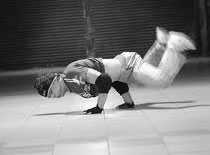 Jak wykonać Handspin w breakdance