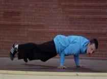 Jak wykonać Turtle w breakdance