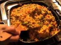 Jak zrobić hiszpańską paellę z kurczakiem