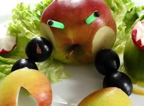 Jak zrobić kraba z jabłka i winogron