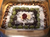 Jak zrobić ciasto domowe z polewą kakaową i winogronami